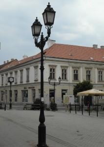 Üveg - Porcelán - Lakásfelszerelési üzlet, Győr, Virágpiac